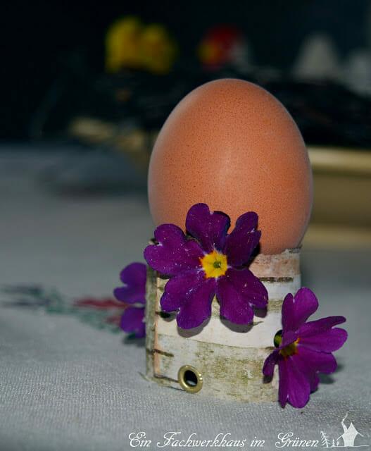 Rustikaler Eierbecher, selbst gemacht.
