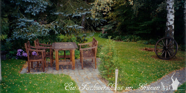 Sitzplätze im Garten.