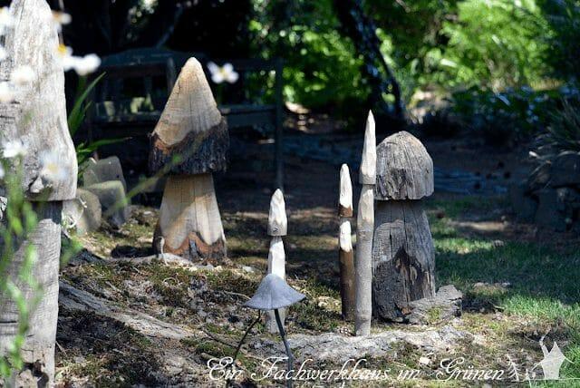Deko Pilze im Garten