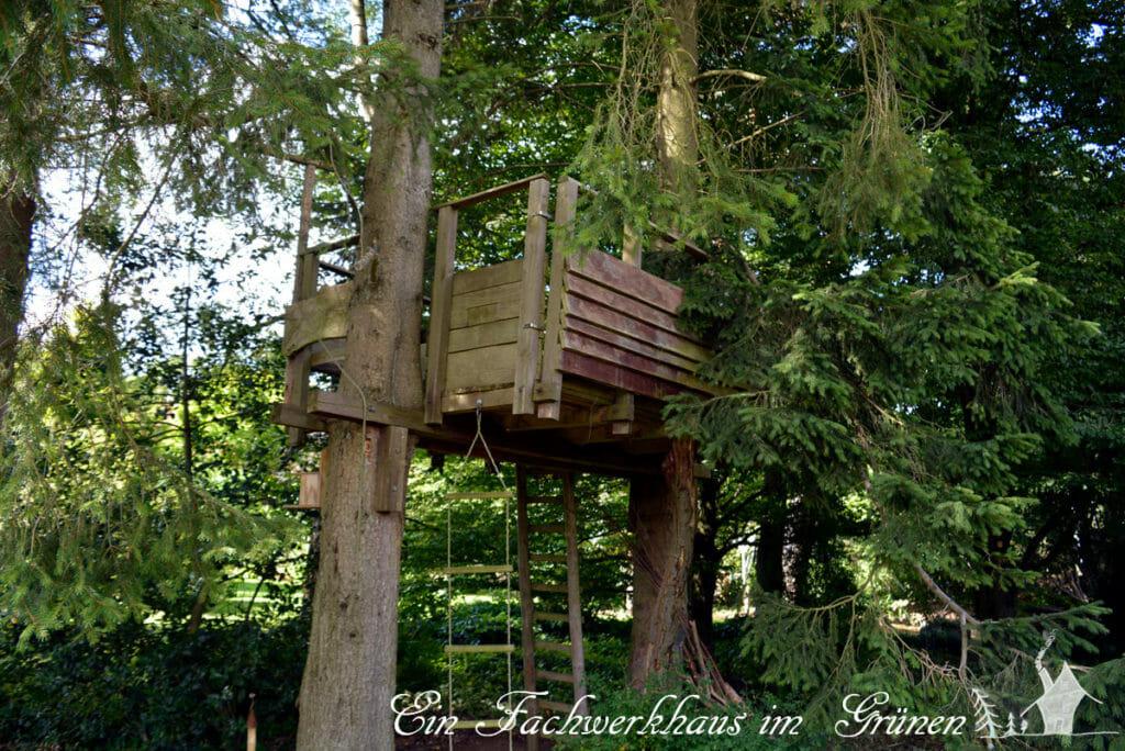 Das Baumhaus, auch so ein Traum für den Garten.