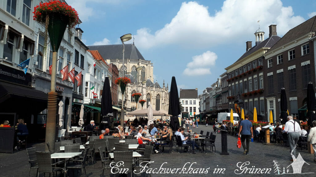 In der Fußgängerzone von Breda an einem der Redhead Days