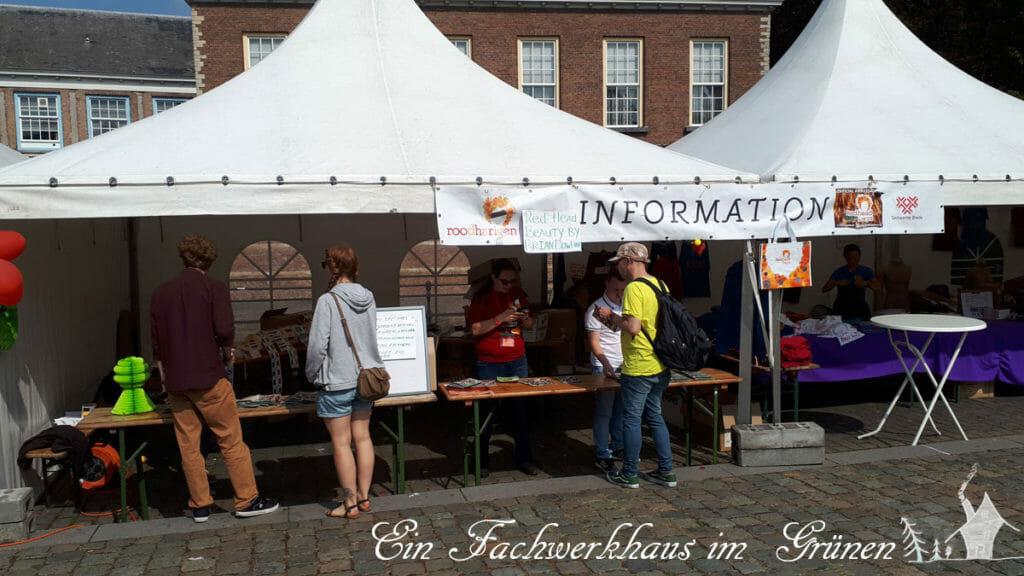 Ein Informationsstand in Breda, nur für Rothaarige