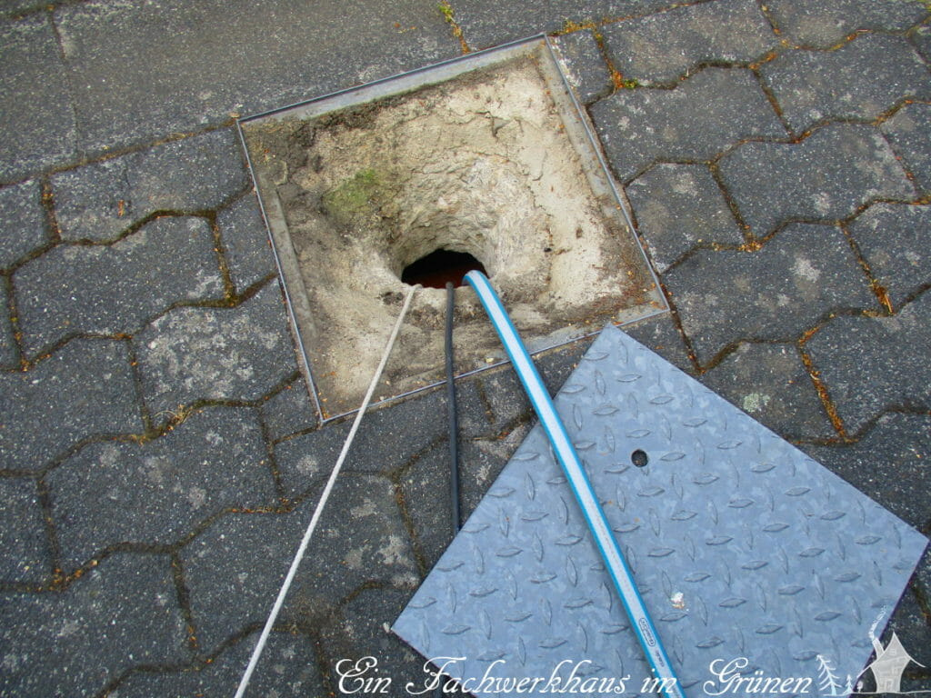Hier musste ich ein Loch durch den Beton stemmen.
