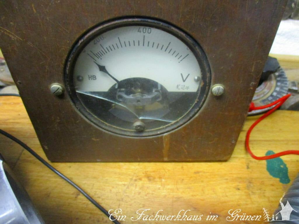 Ein altes Voltmeter