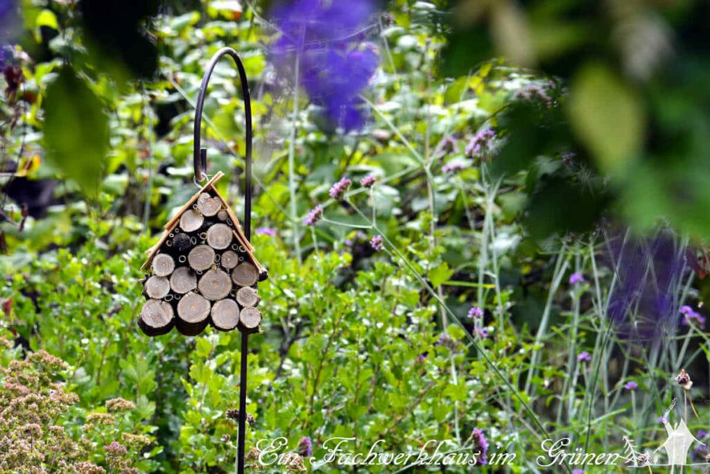 Unser neues Insektenhotel im Garten.