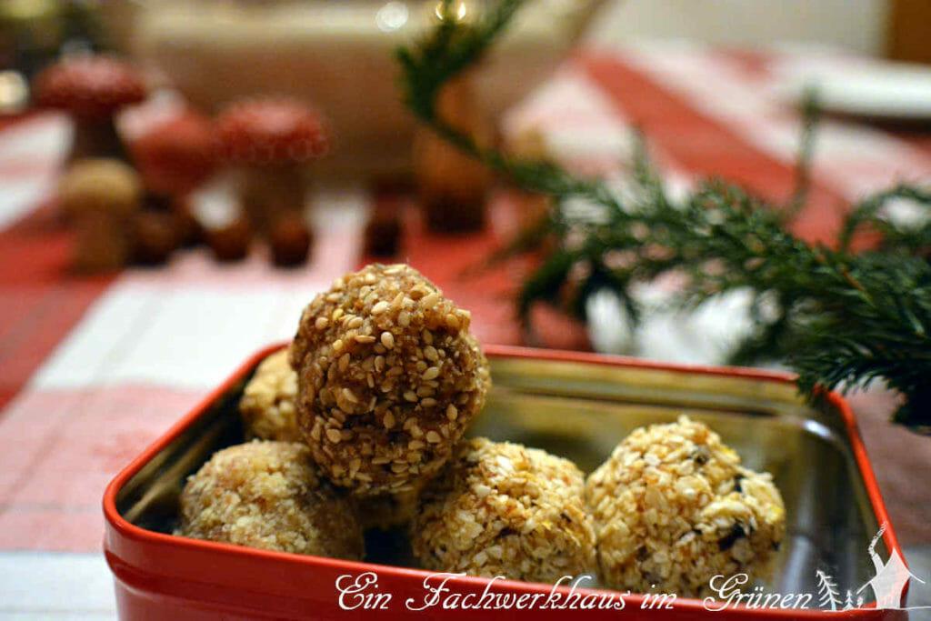 Fruchtpralinen aus der Weihnachtsbäckerei.