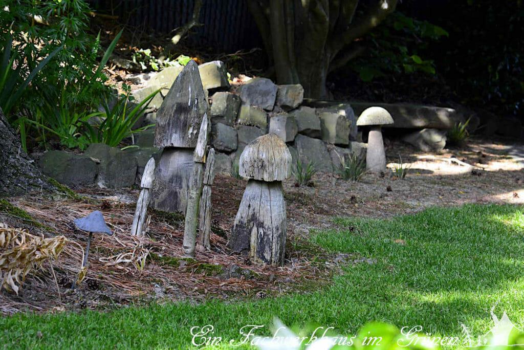 Accessoires für den Garten, DIY Pilze als Deko und Totholz.